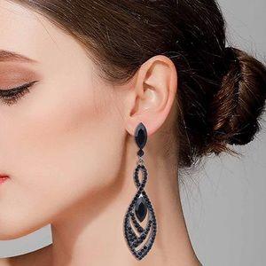 """""""Black Beauty """" crystal Elegance Teardrop Earrings"""
